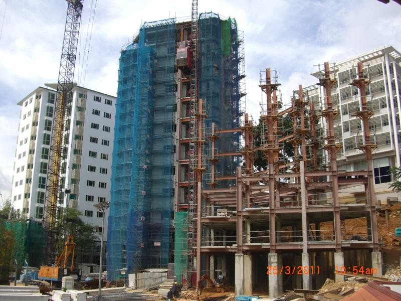 ISO Quality Building Steel Frame For Residential Buildings With Paint Treatment